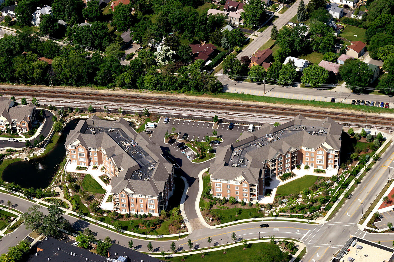 Deerfield Condominiums aerial 1