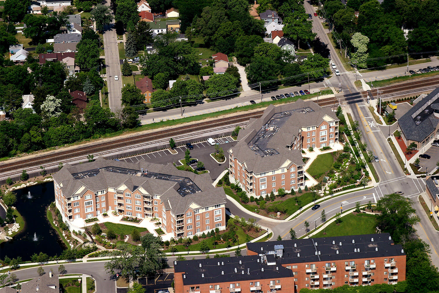 Deerfield Condominiums aerial 4