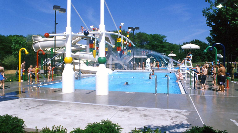 Glenview Park District Roosevelt Aquatic Center pool