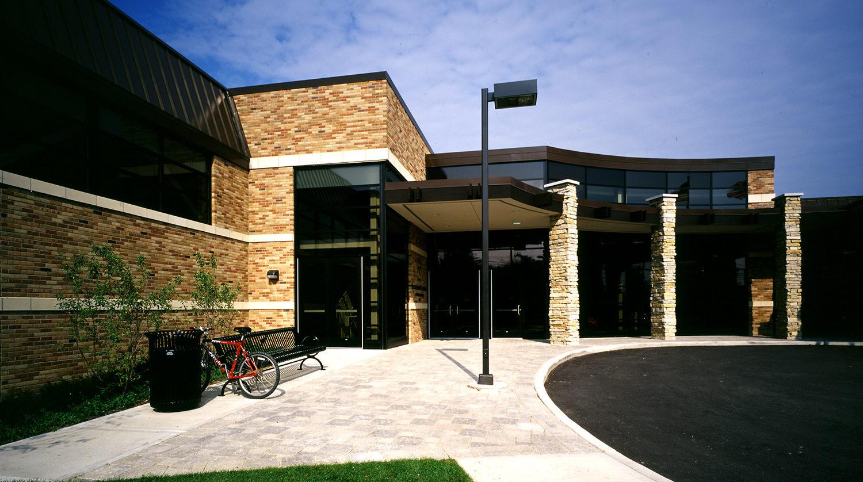 Highland Park Recreation Center entrance exterior