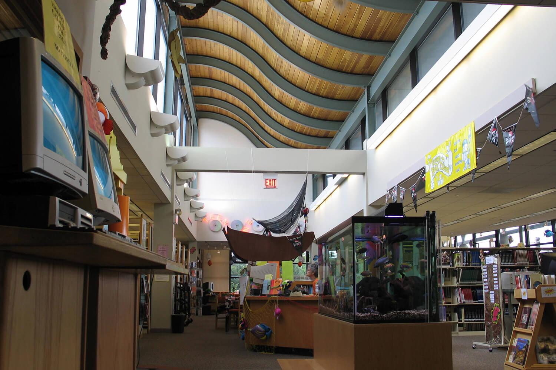Lincolnwood Public Library interior 2