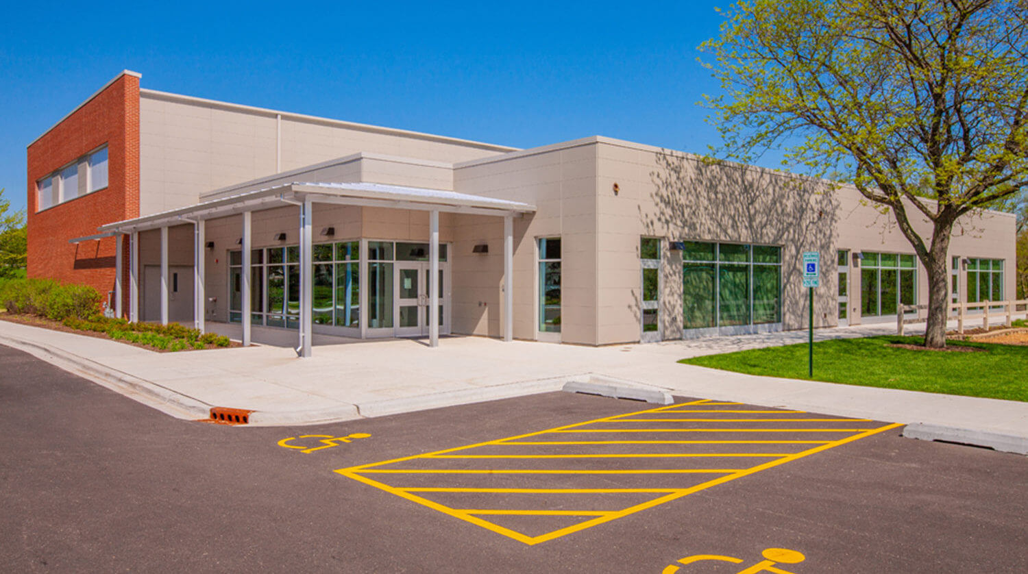 Mundelein Dunbar Recreation Center exterior 2