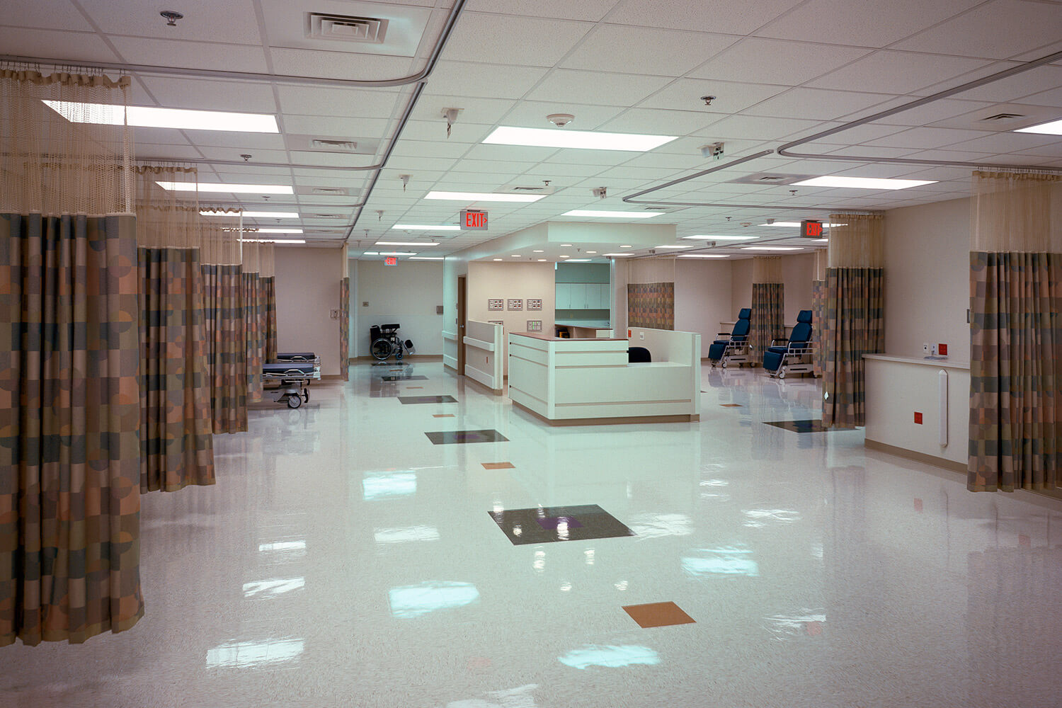 North Shore Ambulatory Surgery Center interior