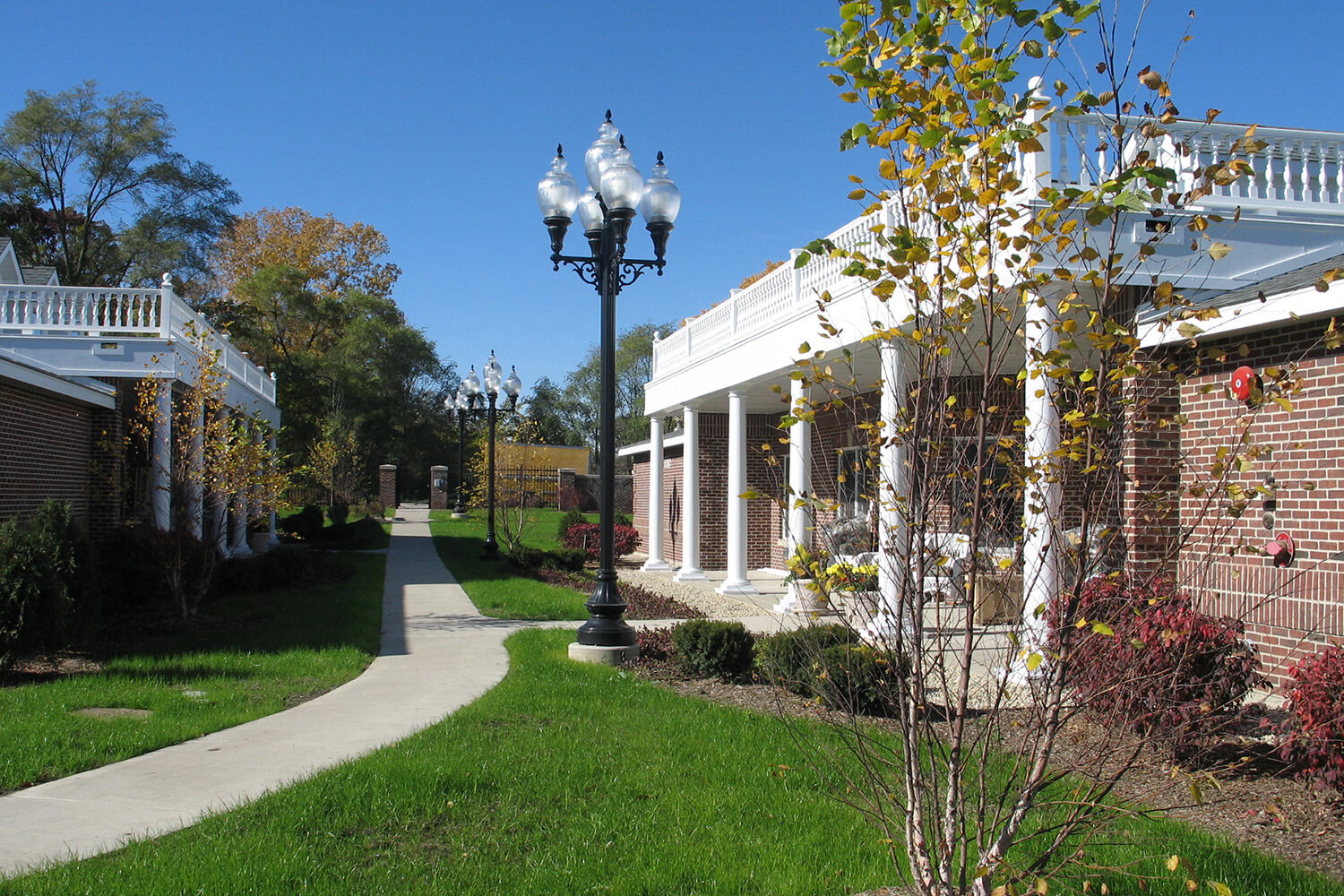 Paradise Park Assisted Living exterior 3