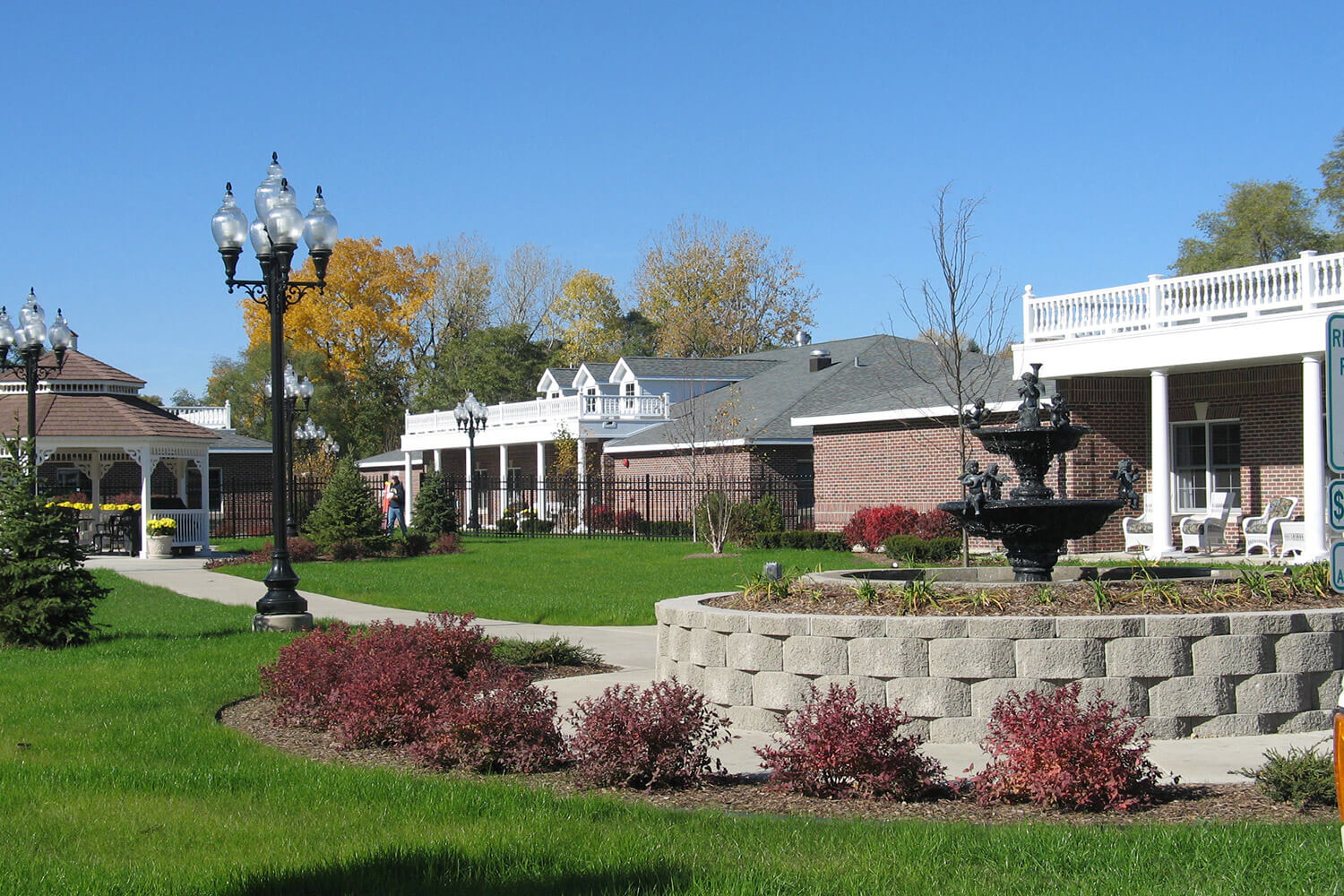 Paradise Park Assisted Living grounds