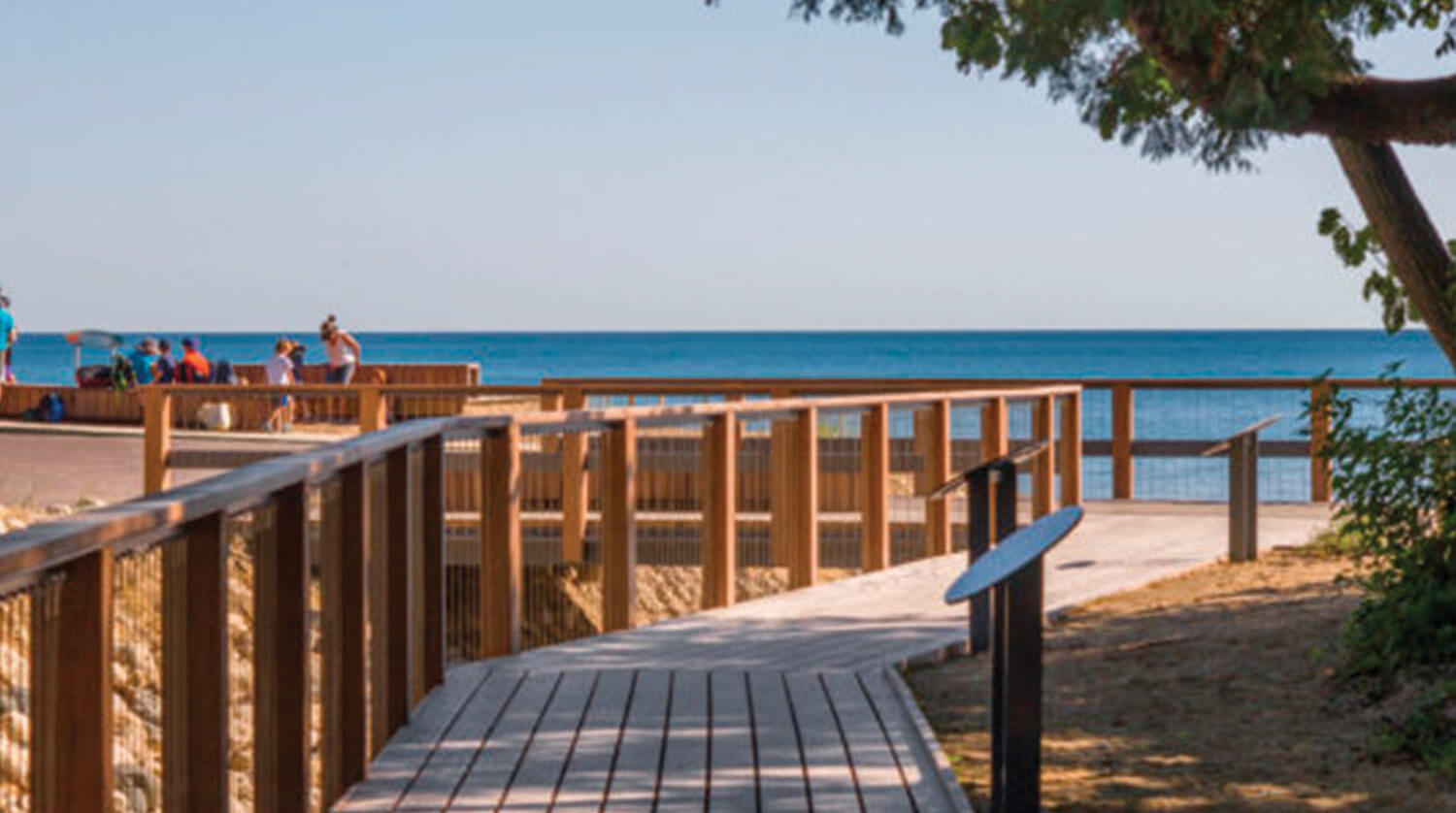 Park District of Highland Park – Rosewood Beach Development deck