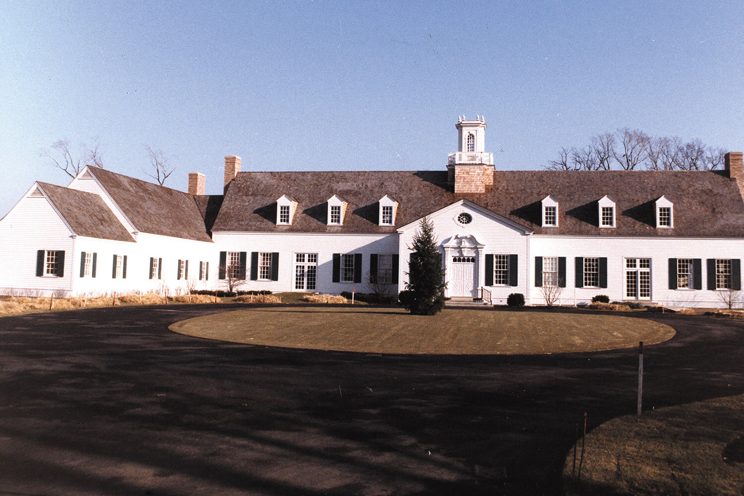 Shore Acres Country Club exterior 2