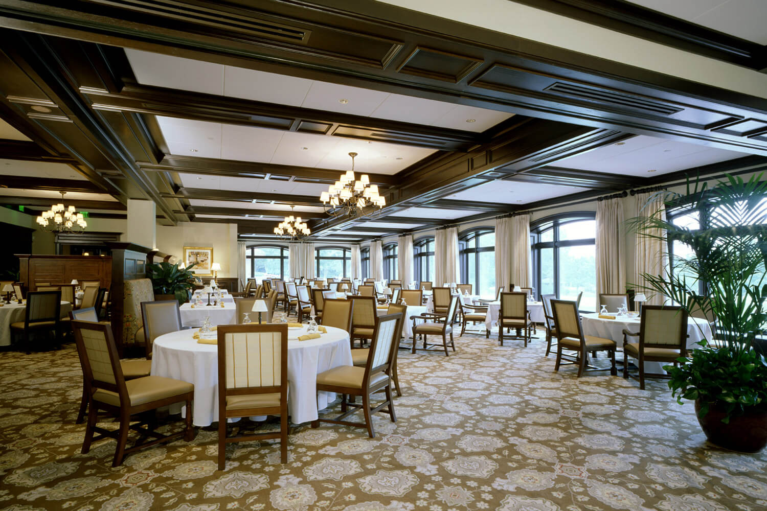 Skokie Country Club dining room