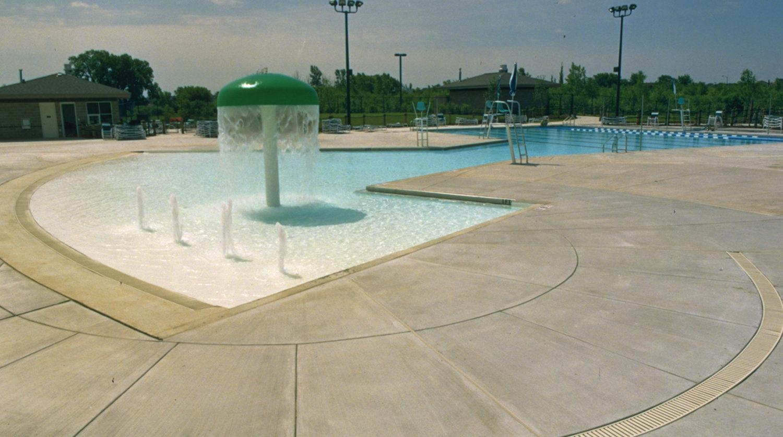 Vernon Hills_ Aquatic Center vernon_aqua2-1
