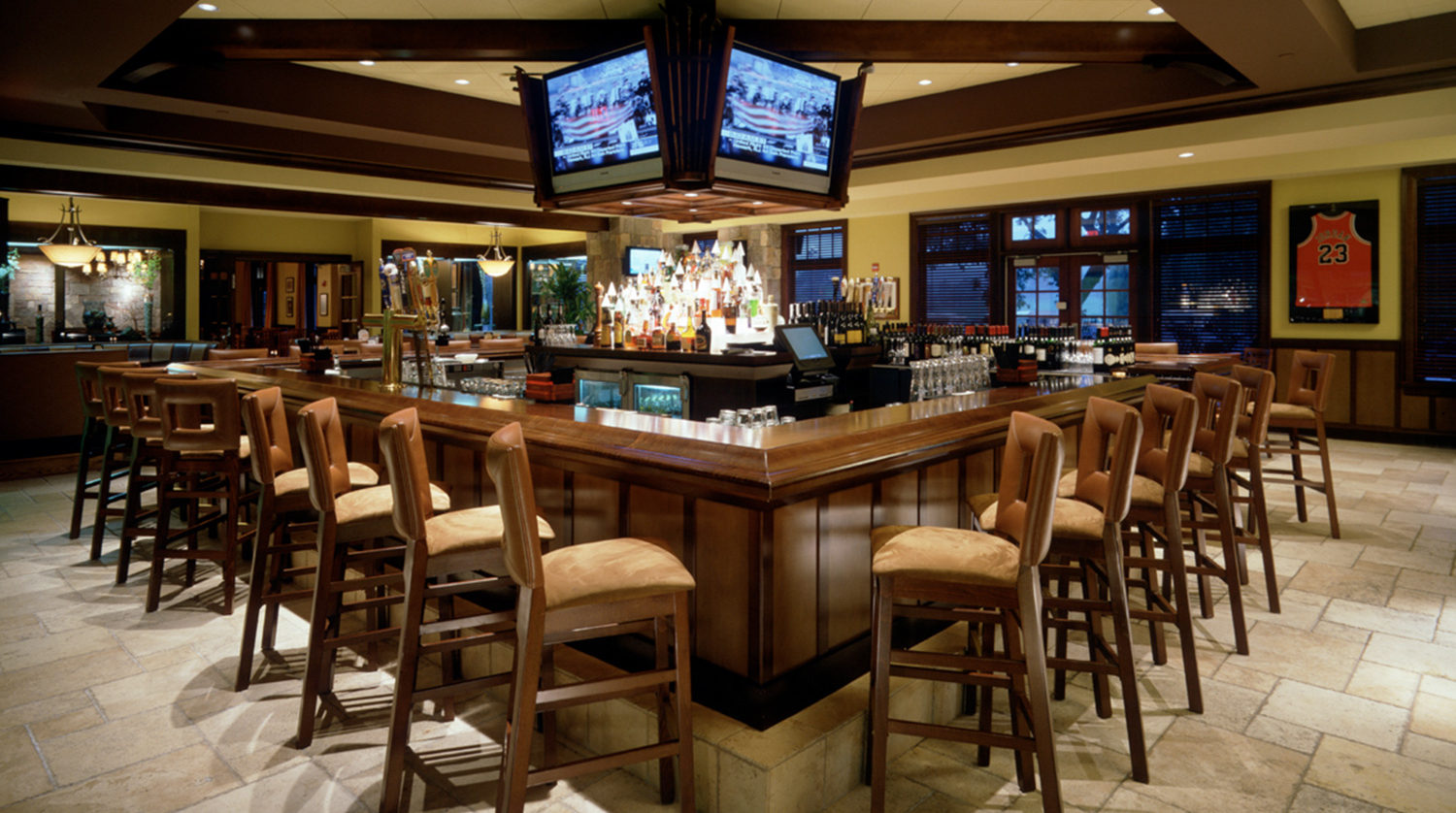Wheaton Park District Arrowhead Golf Clubhouse bar