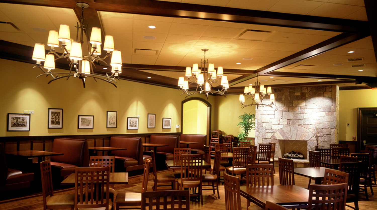 Wheaton Park District Arrowhead Golf Clubhouse dining room