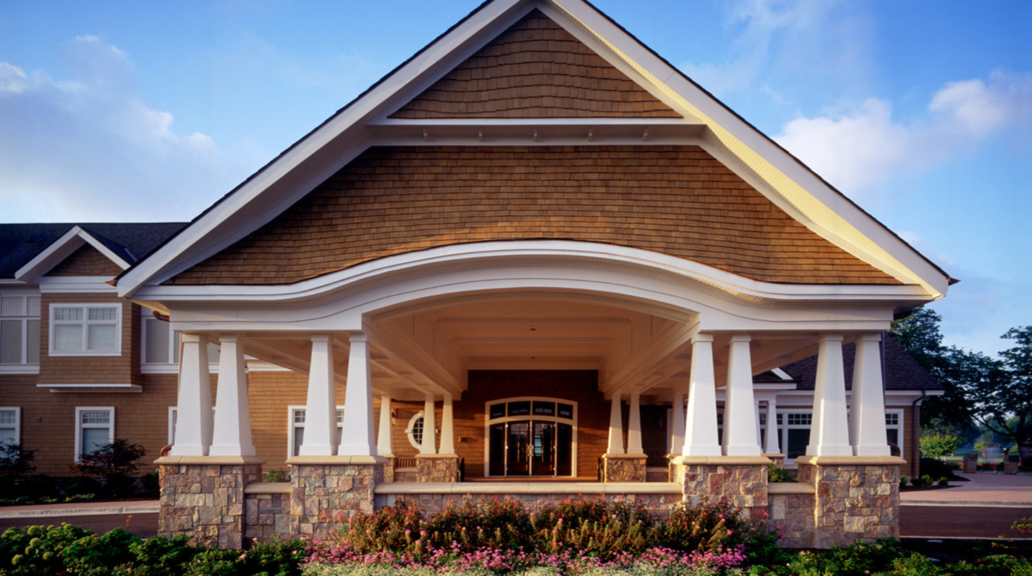 Wheaton Park District Arrowhead Golf Clubhouse exterior 2
