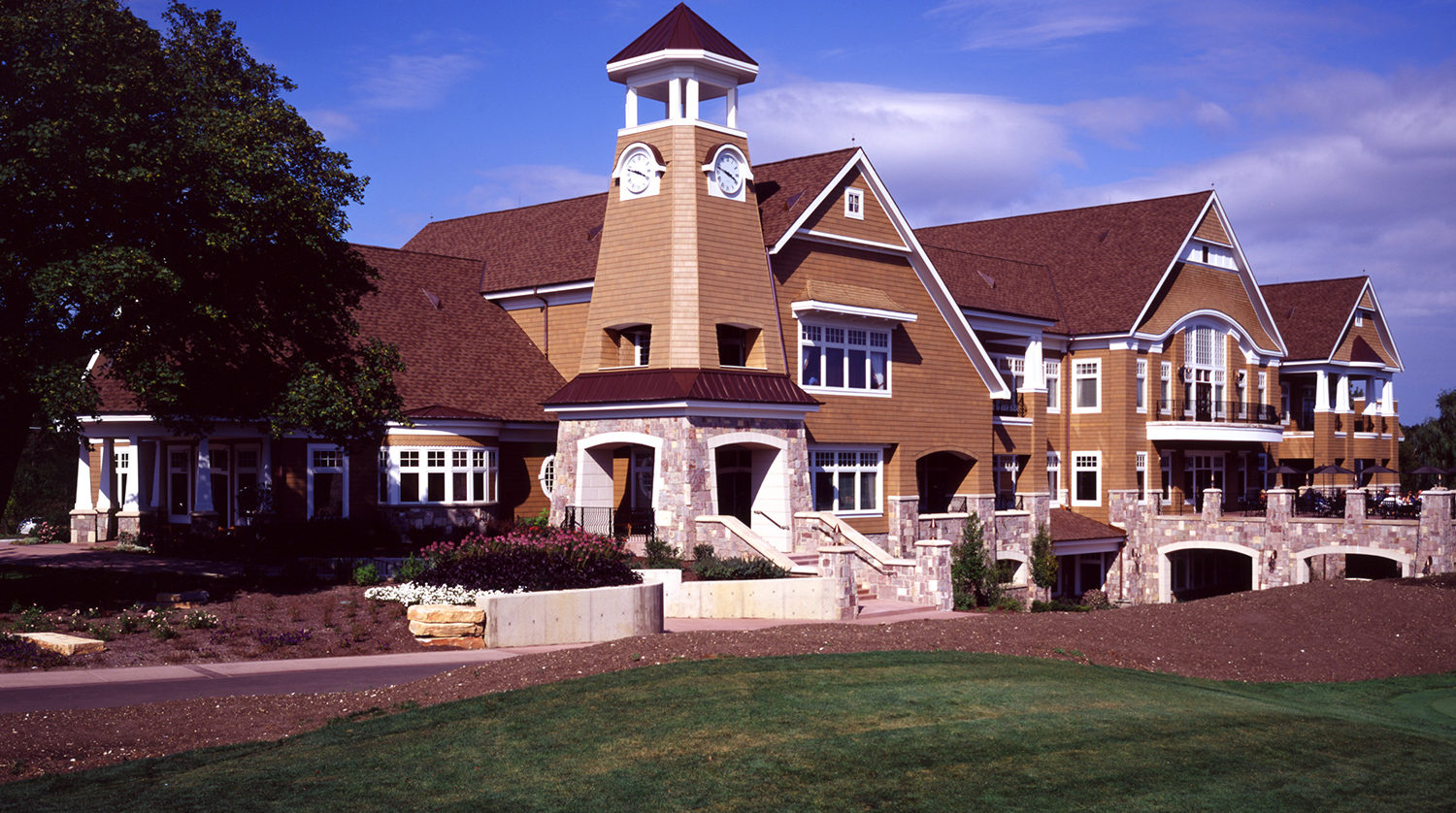 Wheaton Park District Arrowhead Golf Clubhouse exterior 3
