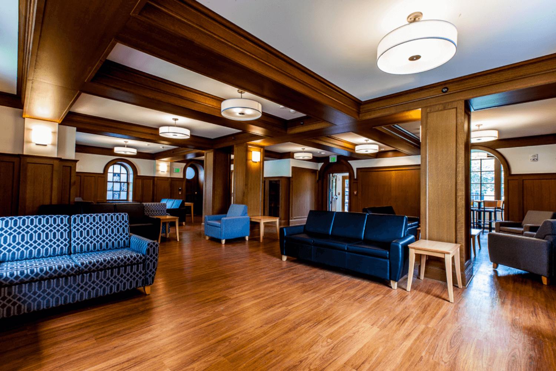 Northwestern University – Phi Gamma Delta Renovation room